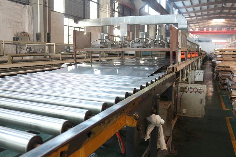 金属覆膜板生产线