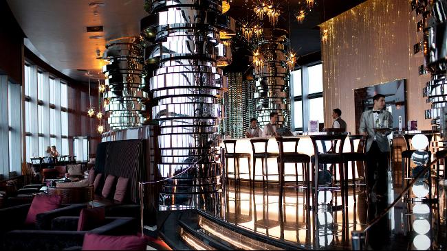 彩色不锈钢,酒店装饰案例!