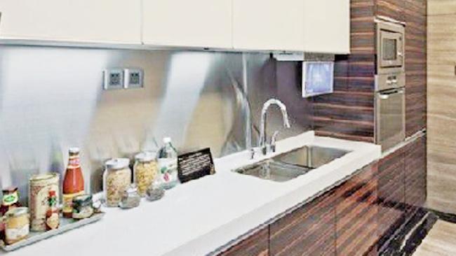 晓匠人告诉您不锈钢橱柜面板和石材橱柜面板哪个比较好